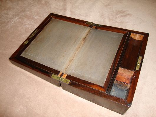 Antique_lap_top_desk
